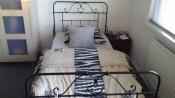 Slaapkamer | Bedden Mooi een persoons bed te koop met matras, Surhuisterveen